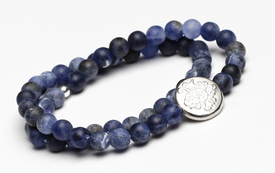 doppelte Mala fürs Handgelenk Sodalith mit Silber-Mala-Münze