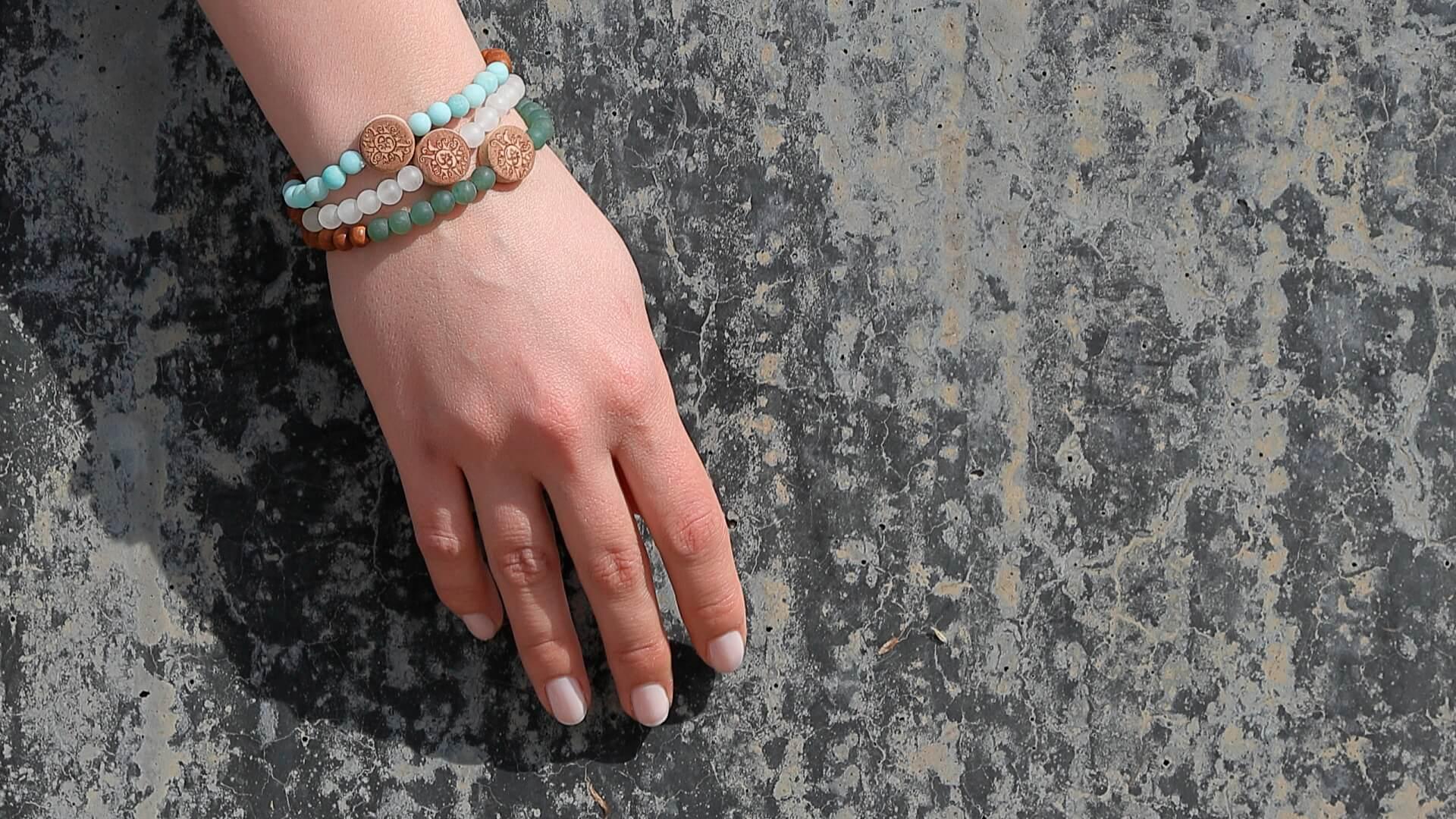 Yogaschmuck Türkis Hand