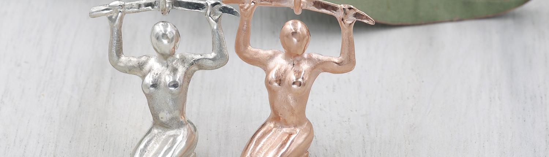 Schmuckanhänger Kriegerin des Lichts in Silber und Silber rosé vergoldet