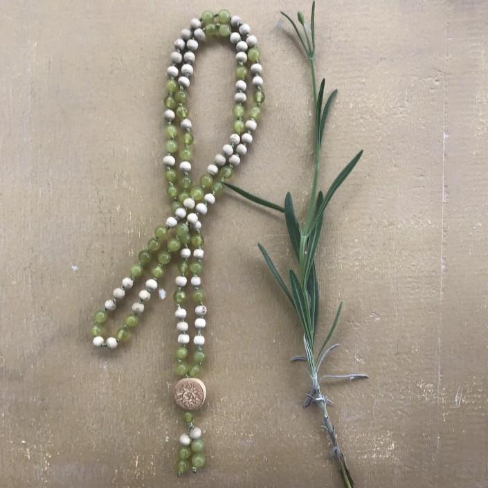 Mala grün, Jade mit Tulsi