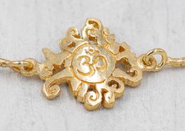 YogaSchmuck Collection Malasonne und OM Anhänger Armkette vergoldet