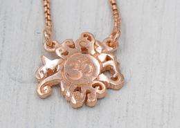 YogaSchmuck Collection Anhänger Malasonne und OM Halskette rose